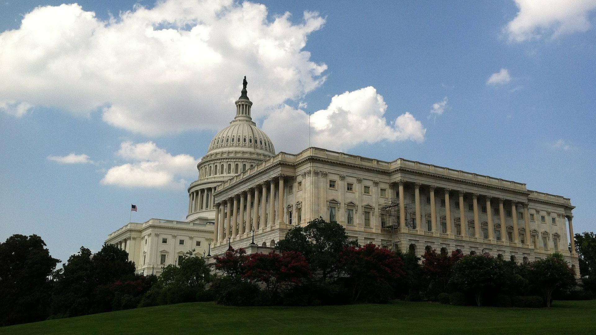 congress-321420_1920-473988-edited.jpg